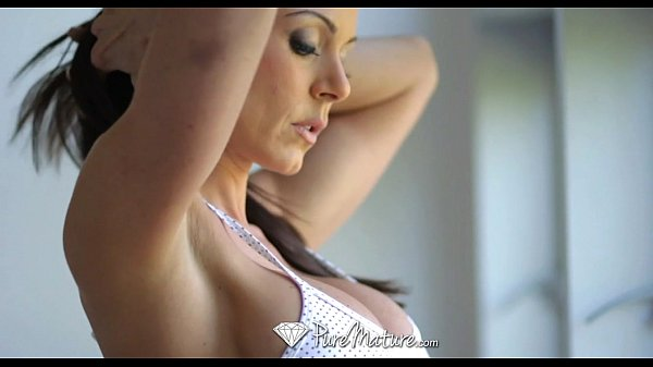 Kendra Lust is drooling to suck cock – PureMature